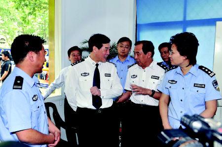 徐世杰:建设亲民队伍打造和谐警民关系