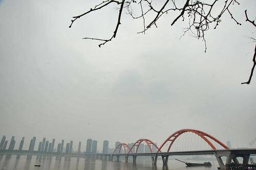 雾霾罩长沙