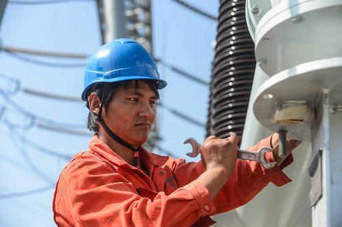 浙江湖州:电网提速保障夏季用电高峰